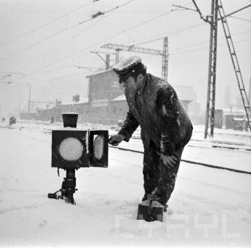 Przegląd instalacji sygnalizacyjnej na bocznicy kolejowej  - 30.11.1973 r.