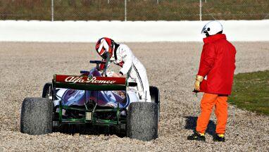 Vettel najszybszy na otwarcie testów. Kilku kierowców miało problemy