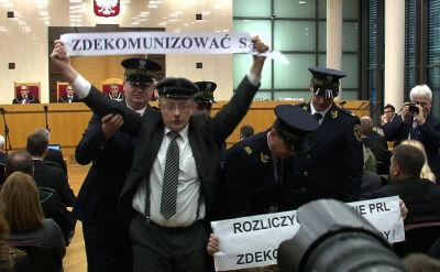 """""""Zdekomunizować sądy"""". Incydent przed rozprawą Trybunału Konstytucyjnego"""