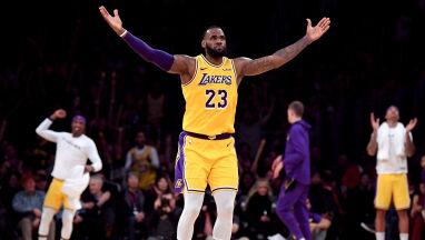 Lakersi prowadzili 33 punktami, a i tak ledwo się uratowali