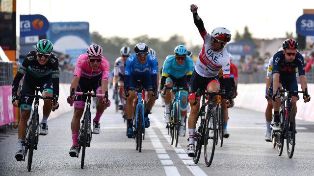 Ulissi o milimetry lepszy od lidera. Sprinterski finisz na Giro d'Italia