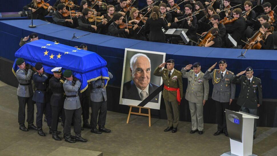Ceremonia o charakterze ponadnarodowym.   Europa pożegnała Helmuta Kohla