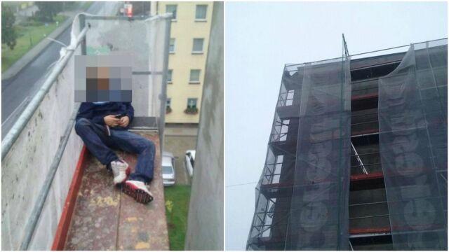 Drzemka na szczycie rusztowania. 25-latek nie pamiętał, jak tam wszedł