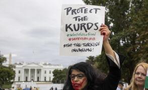 Protesty pod Białym Domem po decyzji Trumpa o wycofaniu wojsk USA z Syrii