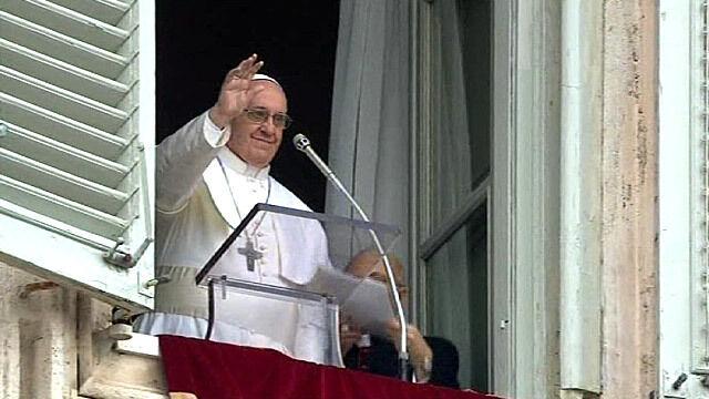 """Papież odmówił Anioł Pański. """"Dobrej niedzieli i smacznego obiadu"""""""