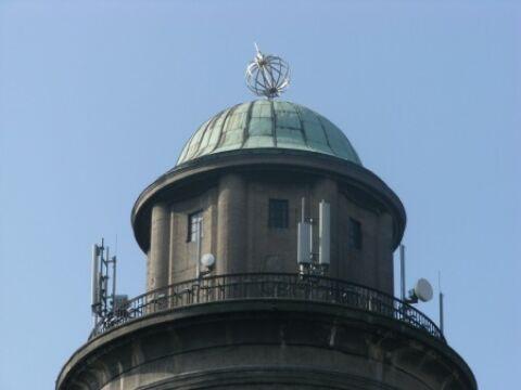 Globus na wieży ciśnień