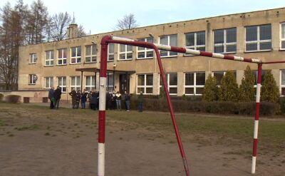 Zamknięta szkoła w Rębielicach