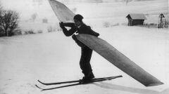 """Album """"100x100"""": ) Inż. Josef Krupka na nartach powietrznych (sygn. 1-E-1381) - 333 polubień"""