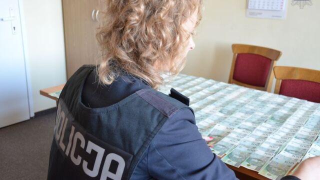 Udając policjantów, wyłudzili ponad 2 miliony złotych. Jest akt oskarżenia