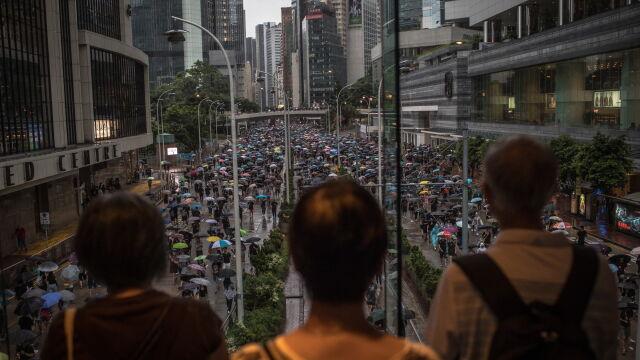 Hongkoński poseł: Pekin ustalił termin zakończenia sporu. Wtedy zostaną dwie opcje