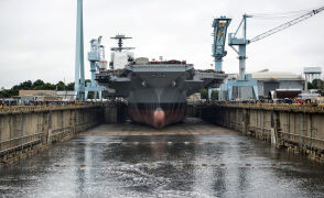 Nowy atomowy gigant US Navy gotowy
