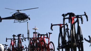 Helikopter przesunął bariery. Kolarz trafił do szpitala