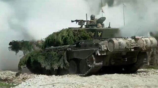 NATO. Brytyjskie czołgi Challenger w ćwiczeniach Spring Storm 19