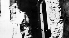 Ruiny Szpitala Wszystkich Świętych w Wieluniu po zbombardowaniu go przez lotnictwo hitlerowskie w dniu 1 września 1939