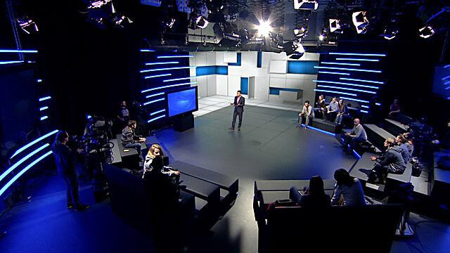 """3 studia, 4 prowadzących, """"kompletnie nowa formuła"""". """"Czas decyzji"""" w TVN24"""