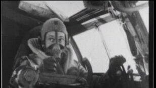 Niemieckie samoloty bombardują angielskie miasto