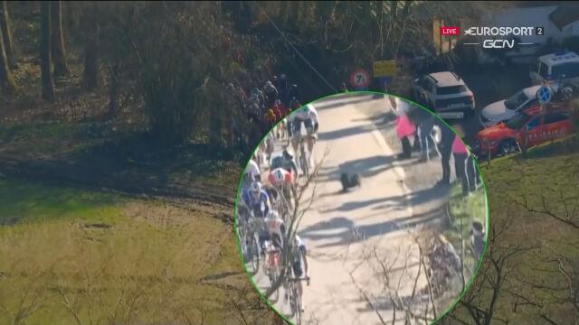 Pies wbiegł na drogę podczas Kuurne-Bruksela-Kuurne
