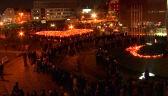 Tłum ludzi oddaje cześć zamordowanemu prezydentowi Gdańska Pawłowi Adamowiczowi