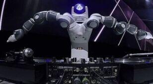 Robo-DJ