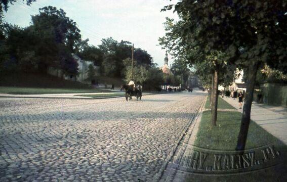 ul. Górnośląska - po lewej stronie cmentarz miejski.