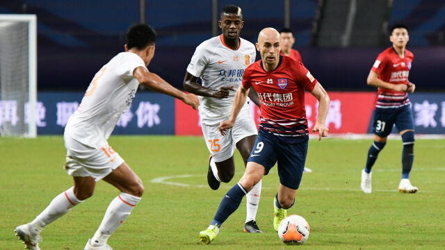 Były reprezentant Polski szaleje w Chinach. Trzy gole i przekonujące zwycięstwo