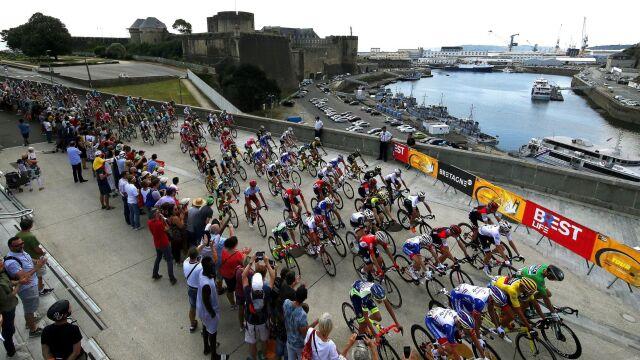"""Tour de France inny niż wszystkie. """"Ludzie stwarzają ryzyko"""""""