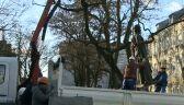 Demontują pomnik księdza Jankowskiego
