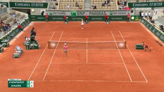 Świątek wygrała 1. seta w starciu z Kontaveit w 3. rundzie French Open