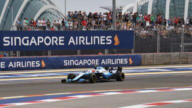 Kubica lepiej od Leclerca. Problemy faworytów w Singapurze