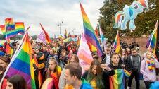 """""""Dla życia i rodziny"""". Marsz Równości  w Toruniu"""