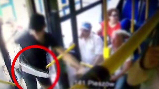 Wsiedli do autobusu z gazem i maczetą, zaatakowali nastolatków. Jest akt oskarżenia