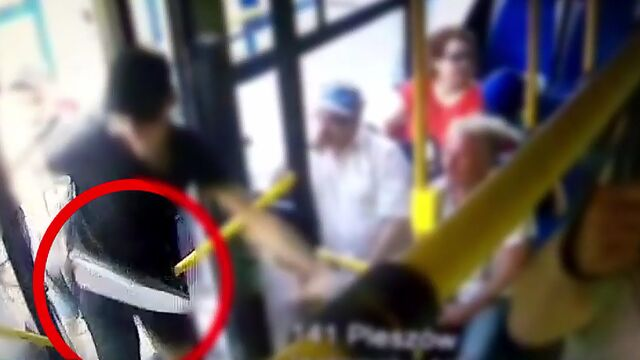 Maczetą i gazem zaatakowali w autobusie. Jest wyrok