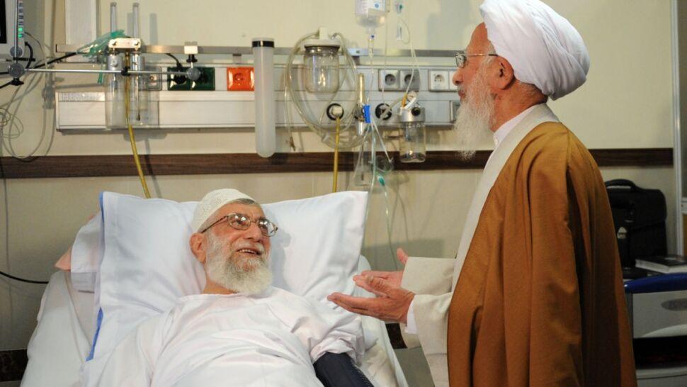 A jeśli ajatollah umrze? Zagadkowa operacja i walka pod perskim dywanem