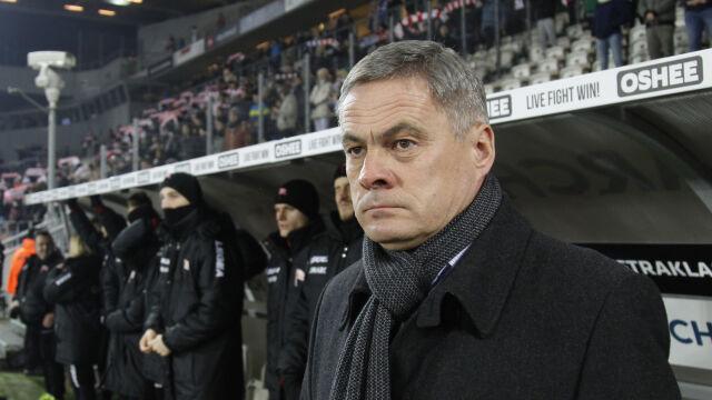 """Utrzymał zespół, dostał nagrodę. """"Jacek Zieliński pozostaje na pokładzie Arki"""""""