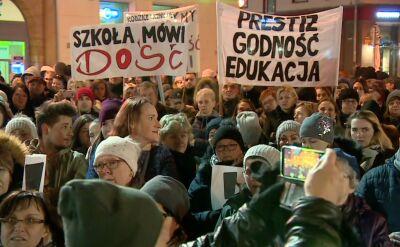 """""""Szkoła mówi dość"""". Wiec poparcia dla nauczycieli we Wrocławiu"""