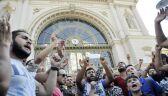 Tysiące imigrantów koczują przed dworcem Keleti w Budapeszcie