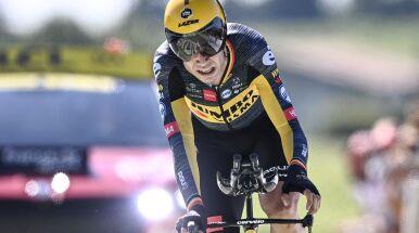 Van Aert zdeklasował konkurencję na przedostatnim etapie. Pogacar może już świętować