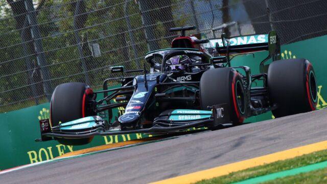 Ścisk w kwalifikacjach. Hamilton przechytrzył duet Red Bulla