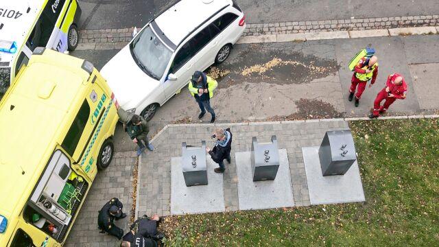 Uprowadzona karetka w Oslo, strzały. Wśród rannych dwoje niemowląt