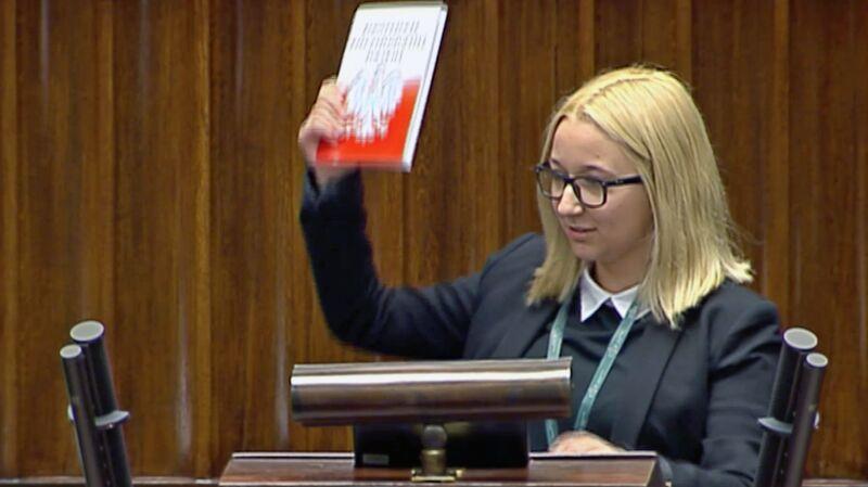 """""""Nie mam czerwonej kartki, ale mam konstytucję"""""""