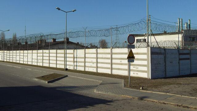 """""""Więzienie opuścił odbezpieczony granat"""". Trzy alarmy, których nie usłyszano"""