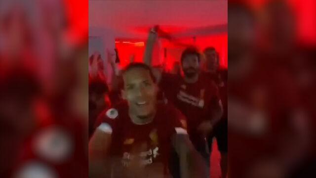 Piłkarze Liverpoolu świętowali triumf w Premier League