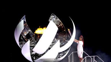 Olimpijski znicz zapłonął, igrzyska oficjalnie otwarte