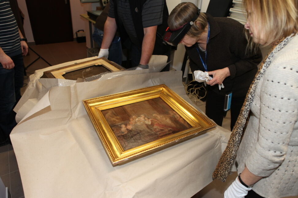 Oba obrazy znaleziono w mieszkaniu kolekcjonera, w Warszawie