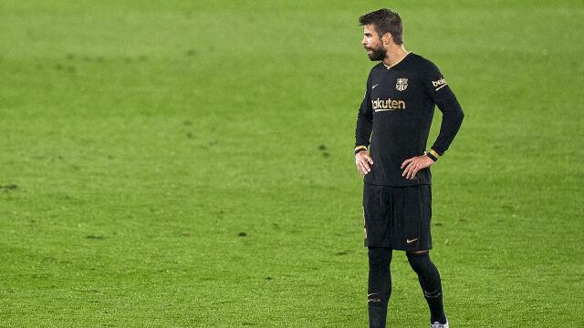 """""""To szaleństwo"""". Pique zaatakował szefów Barcelony przed El Clasico"""