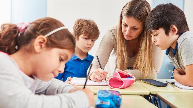 Niepubliczne szkoły rosną. W podstawówkach uczy się już ponad 138 tysięcy dzieci