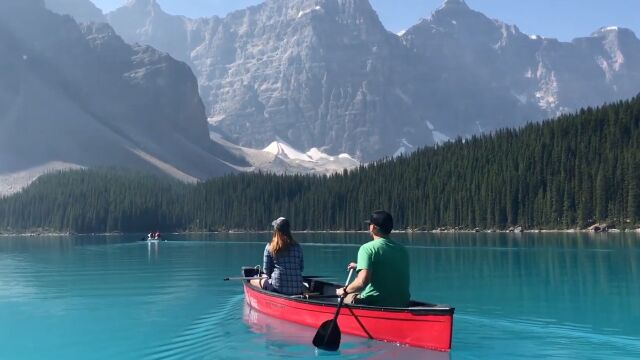Jezioro, kajak i taki widok  na góry. Niezwykłe miejsce