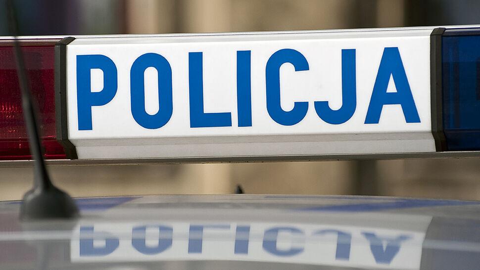 """""""Policjant został zaatakowany szpadlem, odpowiedział ogniem"""". Padło 10 strzałów"""