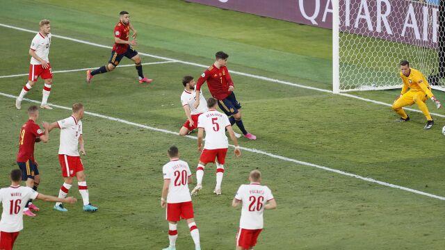 Sędzia zmienił decyzję. Najpierw spalony, za chwilę gol dla Hiszpanii