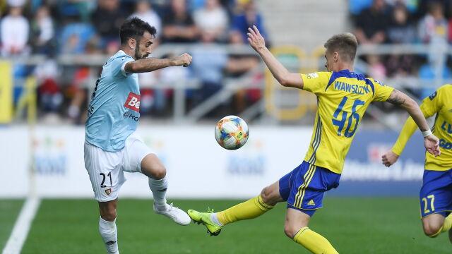 Słaba skuteczność w Gdyni. Anulowany gol dla mistrzów Polski